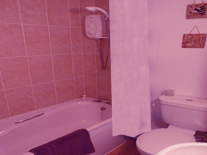 PoppyCottage Bath